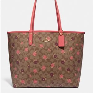 BNWT Coach Reversible Tote with Pouch
